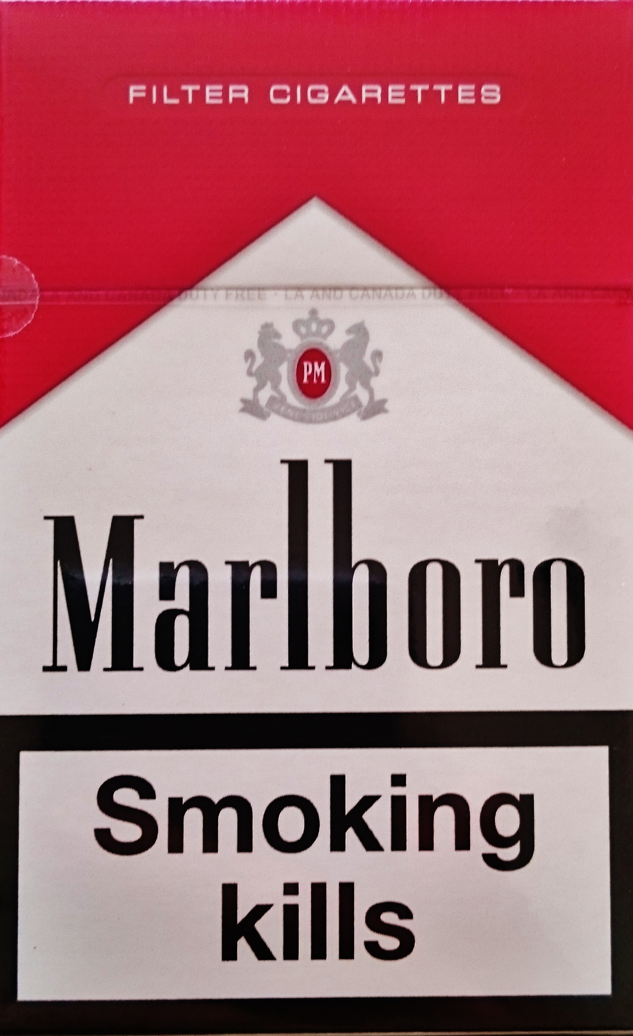 Teen marlboro red smoker